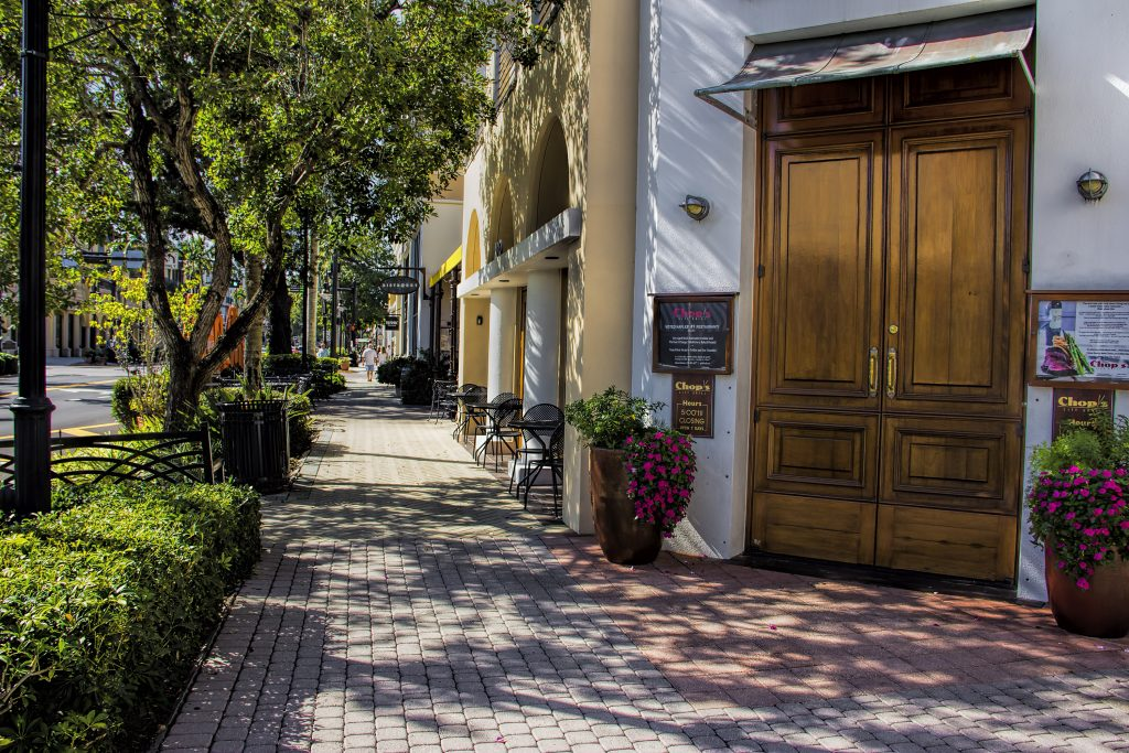 Store front and street in Naples Florida