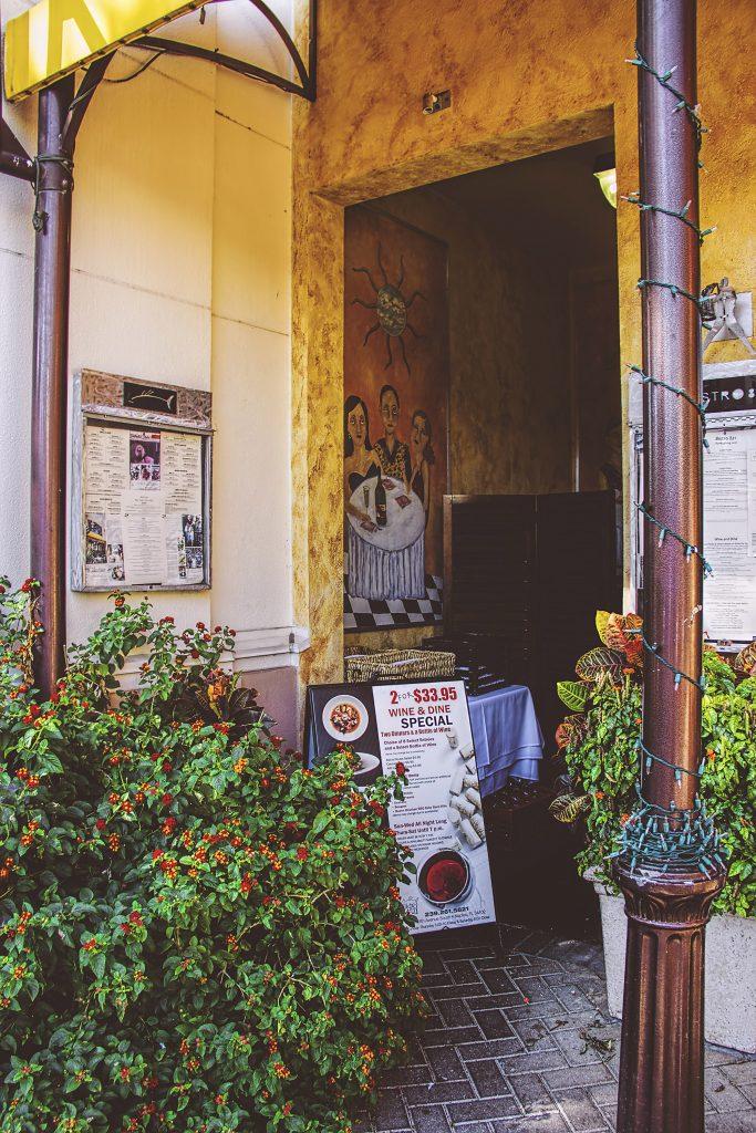 Vintage Restaurant in Naples FL