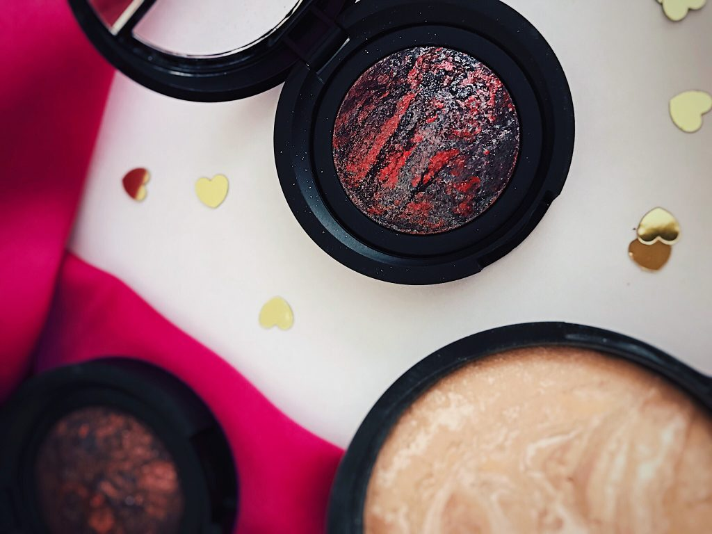Laura Geller Eye Rimz Baked Eyeshadow in Berry Flambe